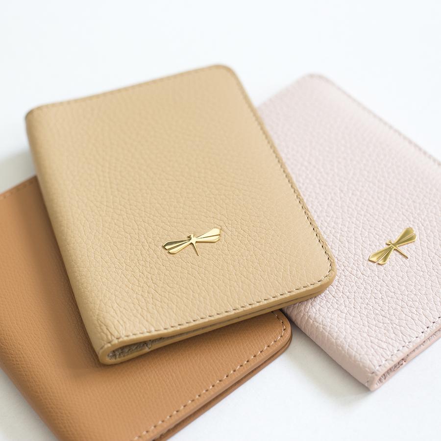 MONA Sand leather case