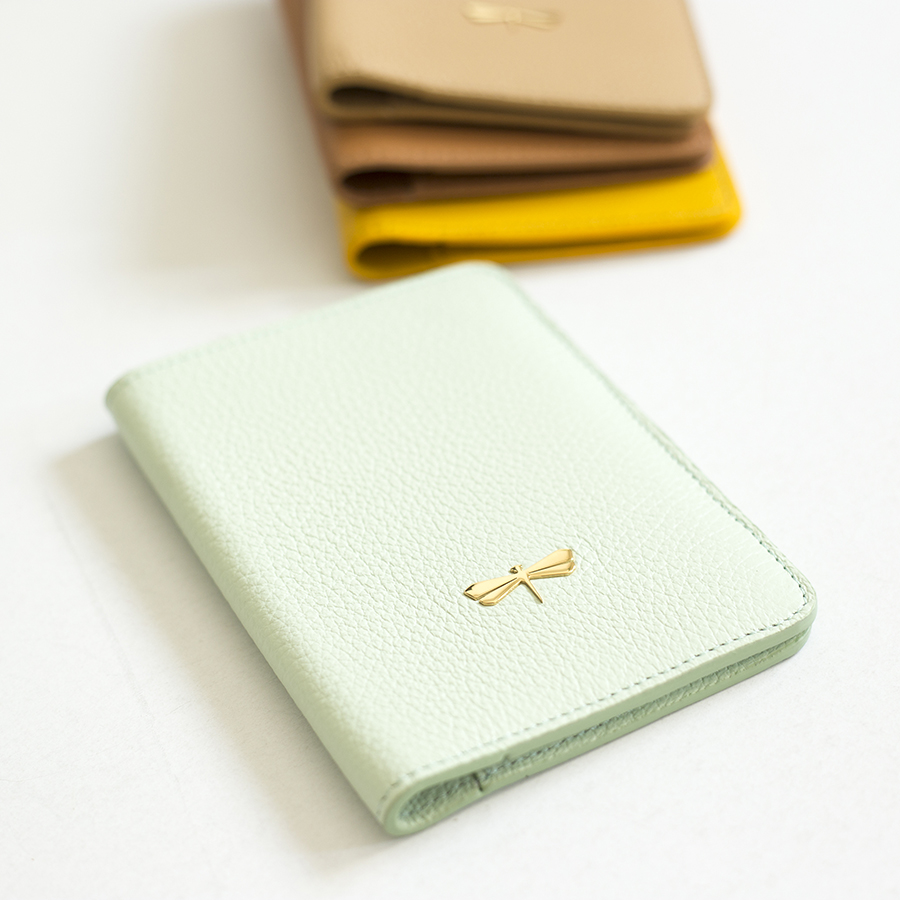 MONA Mint leather case
