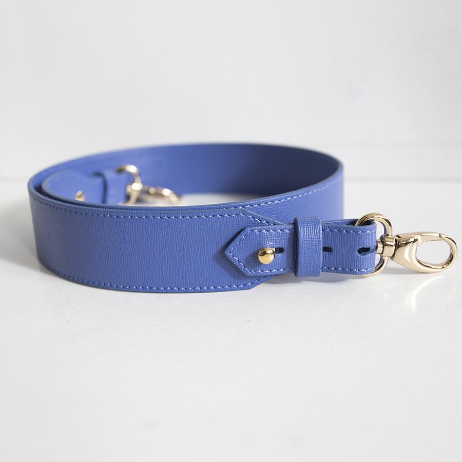 Wide plumblue strap