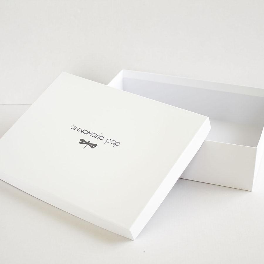 GIFT BOX [MEDIUM SIZE]