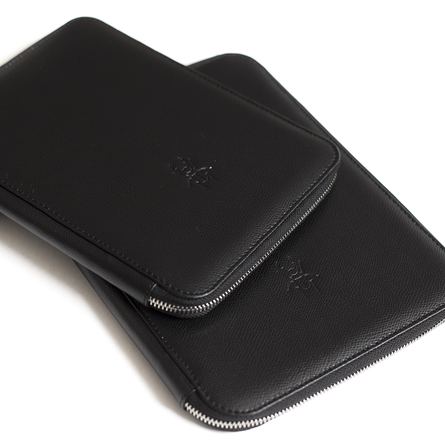 ARIA Black leather case (smaller)