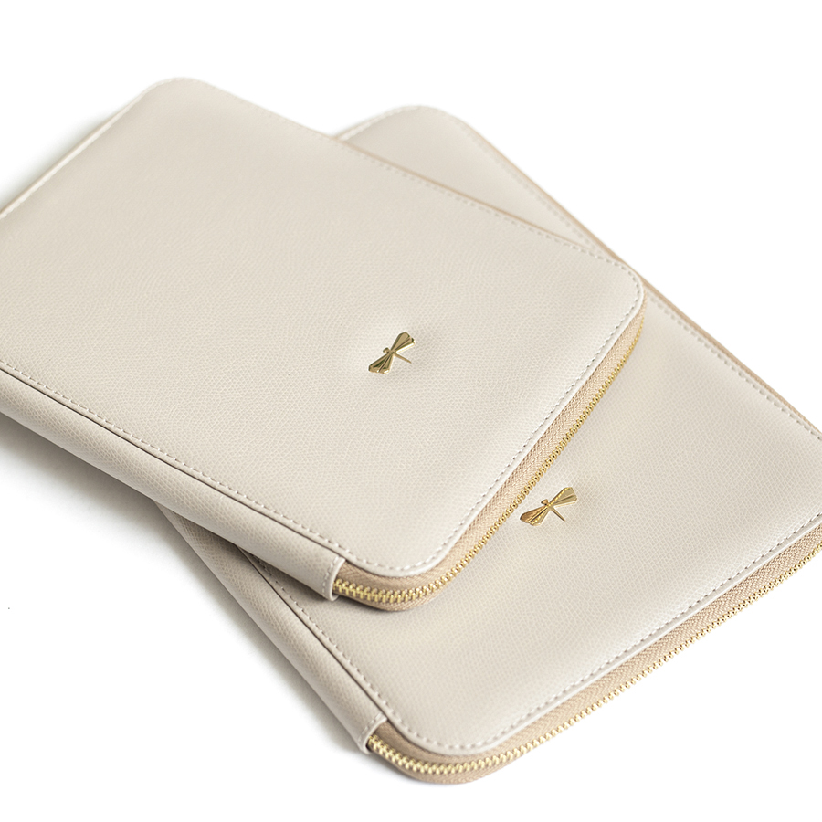 ARIA Almondcream leather case (smaller)